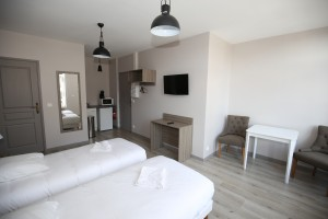 http://www.brasserie-hoteldefrance.fr/wp-content/uploads/2020/09/chambre-hotel-roubaix-2.jpg