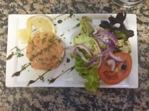 tartare saumon entree